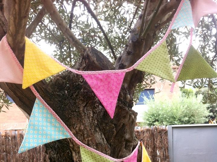 Guirnalda en el árbol